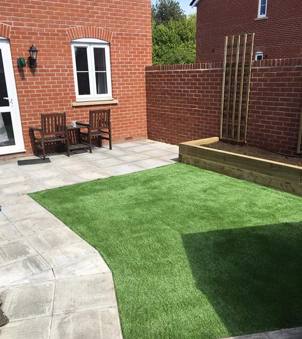Fake Grass Installation – Witney